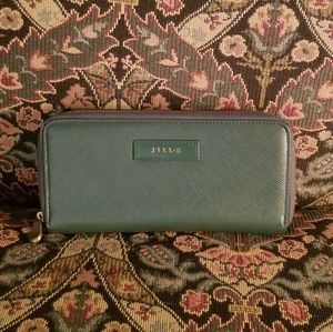 Accessories - NWOT RFID wallet with charger